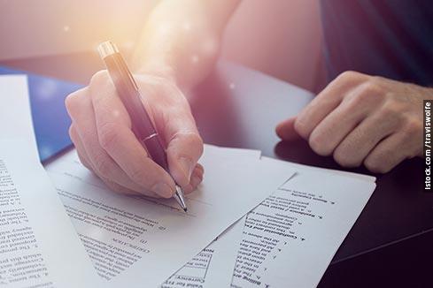 A Terceira Turma manteve a extinção da ação indenizatória dos consumidores, pois ficou demonstrado que a cláusula arbitral não foi imposta pelo fornecedor no momento da compra.