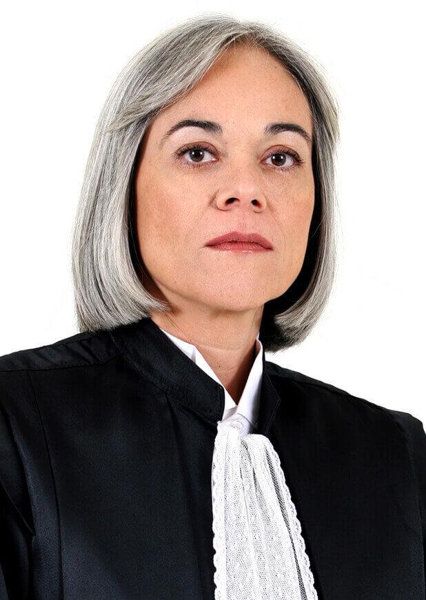 Minsitra Maria Thereza de Assis Moura